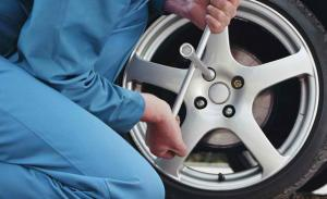 Change_Car_Tyre_HOWTO_770x470